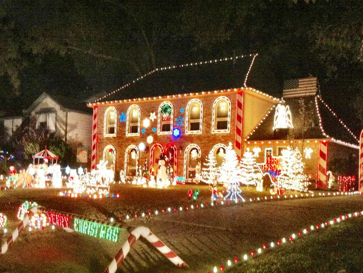 Best 25+ Best christmas light displays ideas on Pinterest | Best ...