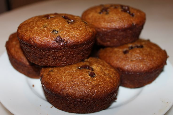 Another easy recipe from @simplemills - Banana Muffins with Chocolate Chips - healthy but more important, taste great.  I added the mini chocolate chips, but they still taste great without them.  They are Low in Sugar, Paleo friendly and based on Almond flour instead of typical carb-heavy muffins.