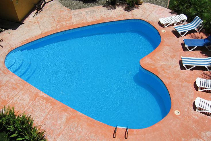 Swimming pool:  Heart shaped swimming pool