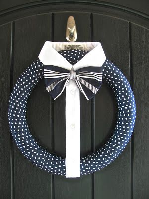 dapper wreath...hmmm...need black door ? :P