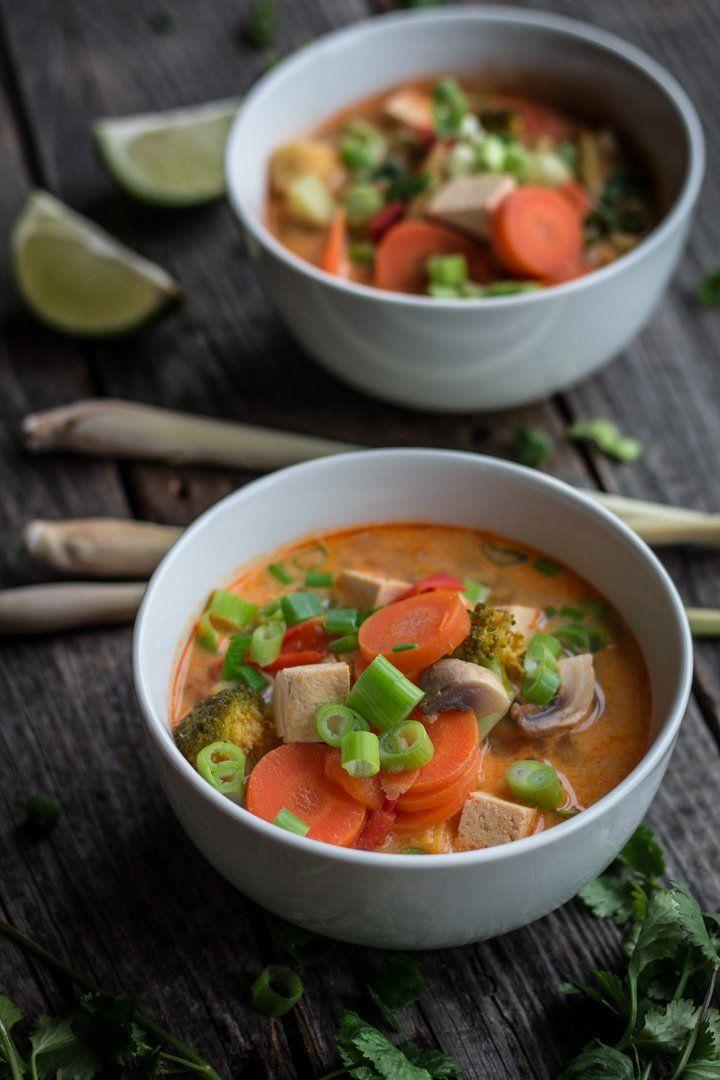 Vegane Tom Yam-Suppe: ein Klassiker aus Thailand via @bevegt