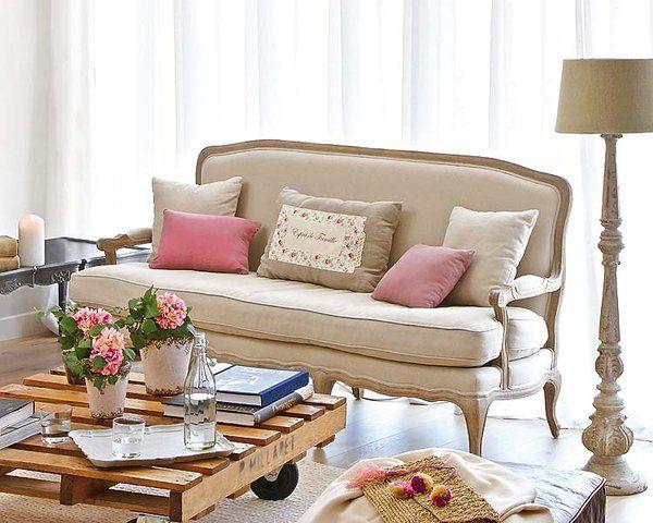 Inspirados en los antiguos 'tu y yo', románticos y acogedores, estos sofás son ideales para crear en tu salón un ambiente cálido y acogedor.