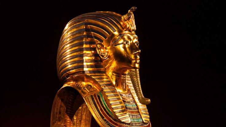Egyptiske myndigheter bekrefter nå at de med stor sannsynlighet har funnet en hittil ukjent passasje ved graven til faraoen Tut-ankh-Amon. Forskere tror oppdagelsen vil lede dem til dronning Nefertitis hvilested.