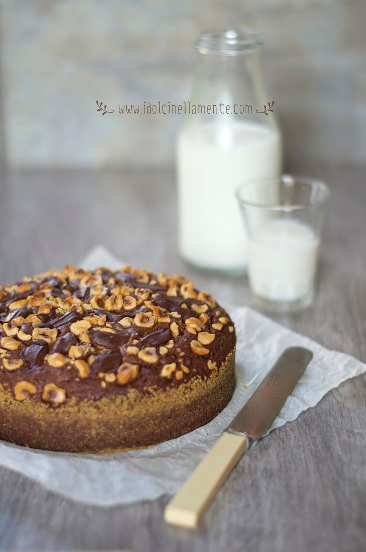 torta di nocciole e cioccolato