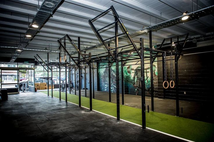 MCR CrossFit Rig featuring flying pull-up bars and monkey bars.