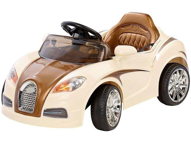 Offrez sa première décapotable à votre enfant avec cette voiturette électrique équipée de pédales et volant, en plus d'un lecteur MP3 et d'une télécommande de sécurité !