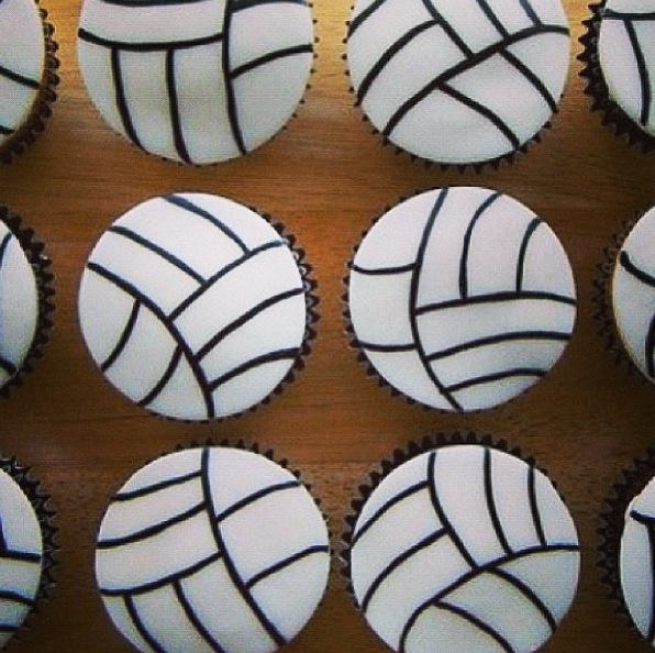 Volleyball cupcakes!!