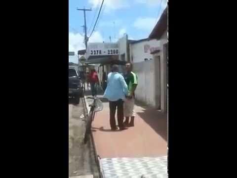 VELHINHO FAIXA PRETA DE KARATÊ NOCAUTE  MEXE COM QUEM TA QUETO PORRA