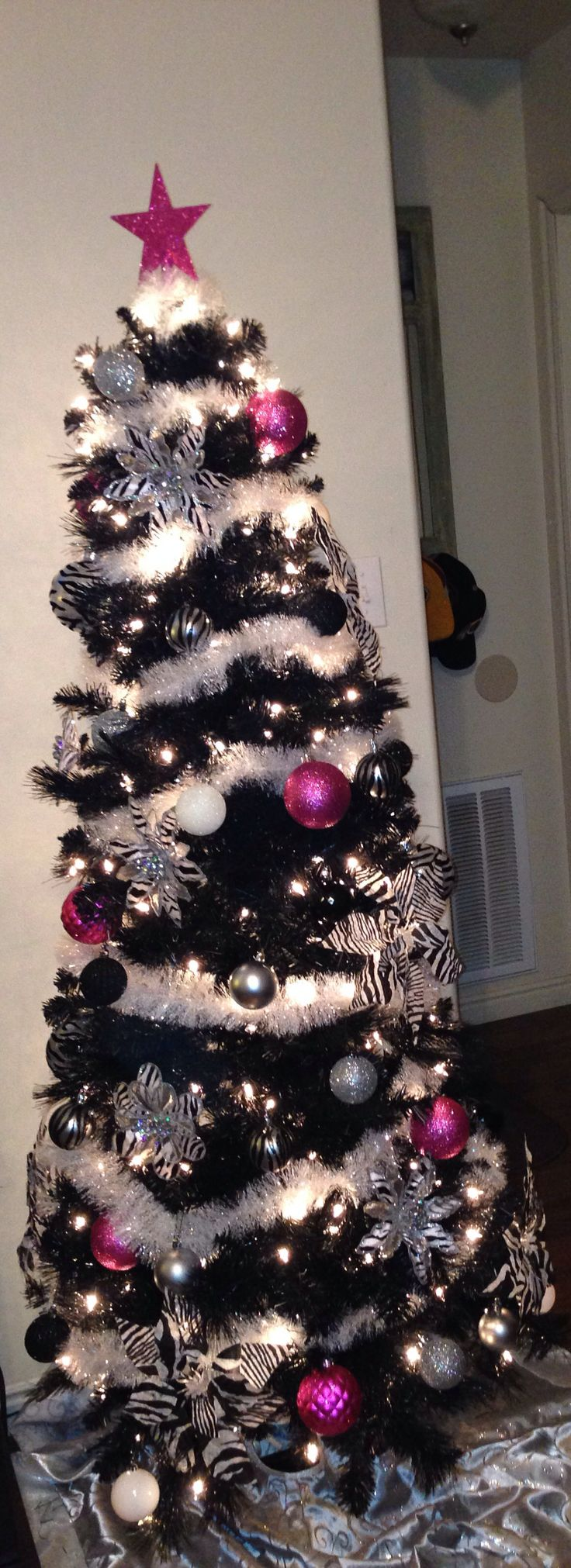 Hot pink christmas decorations - Zebra Christmas Tree With Hints Of Hot Pink