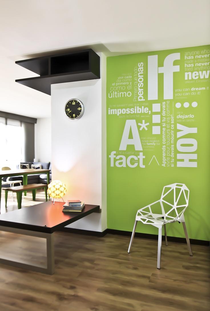 Un recibidor súper!: Funny Wall, Tags, Recibidor Sper, Style, Vinyls Letters, Germany, Architecture Hdeco, Parisians Inspiration, Recibidor Súper