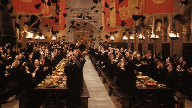 Auf dieser Karte finden Sie die wichtigsten Drehorte der Harry Potter Reihe in GB. Lassen Sie sich erneut verzaubern. Weitere Informationen gibt es hier!