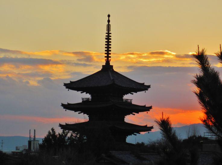 Sunset at Yasaka pagoda, Kyoto. December 2013.