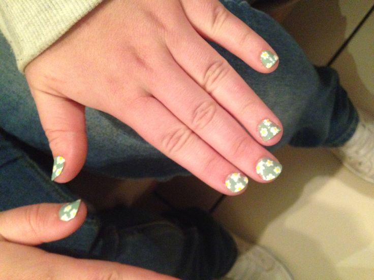 Daisy nails. I did my friend Jessica's nails. Nail art