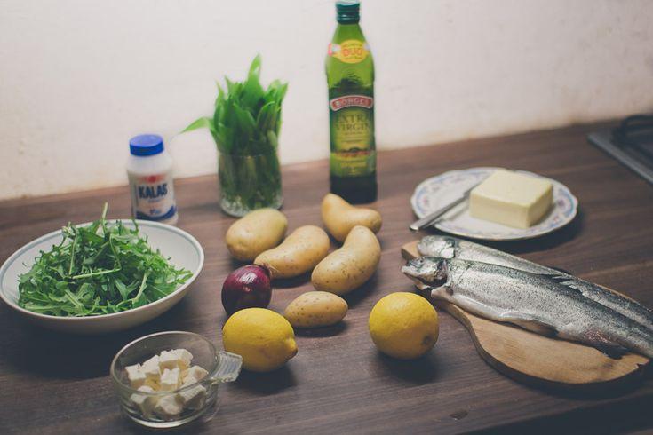 Ingrediencie k receptu na pečeného pstruha #wildgarlic #woodgarlic #baersgarlic #trout #dinner #yummy #green #nature #fishes #recipes