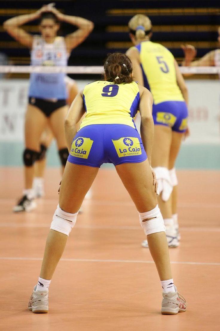 El jugador de voleibol Radisa Stevanovic desnudo y