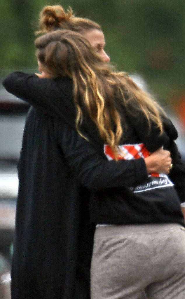 Gisele Bündchen Hugs Tom Brady's Ex Bridget Moynahan—See the Friendly Photo!   Bridget Moynahan, Gisele Bundchen, Tom Brady