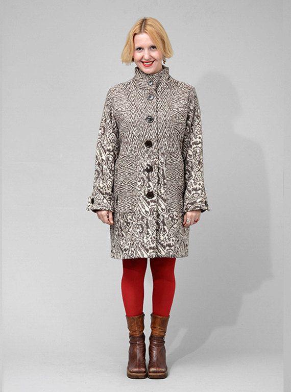 Beige fantasy Spring / Autumn coat