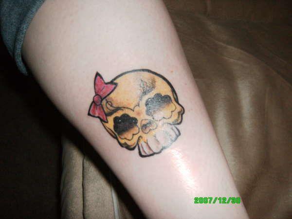 17 Best ideas about Girly Skull Tattoos on Pinterest ...
