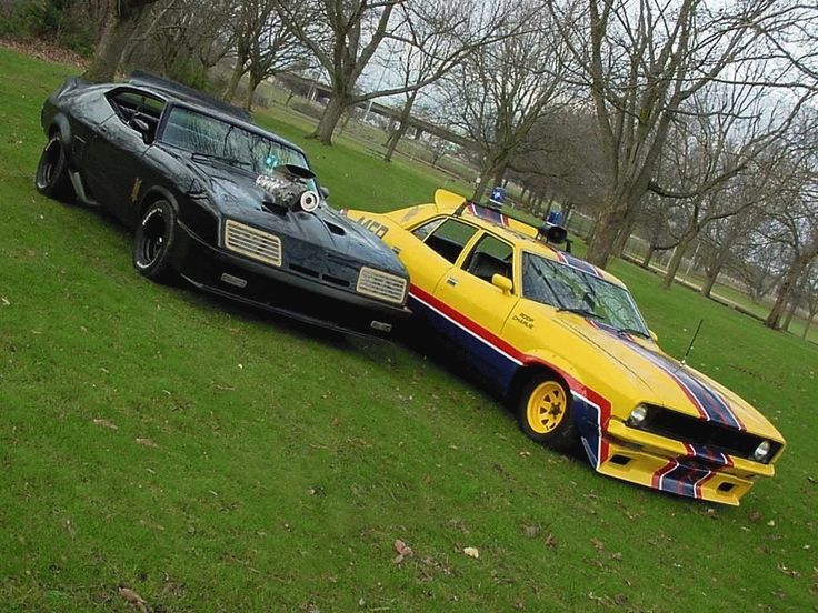 Mad Max Motors! http://topsir.com/d/2007-11/Mad-Max-Cars-2230.jpg