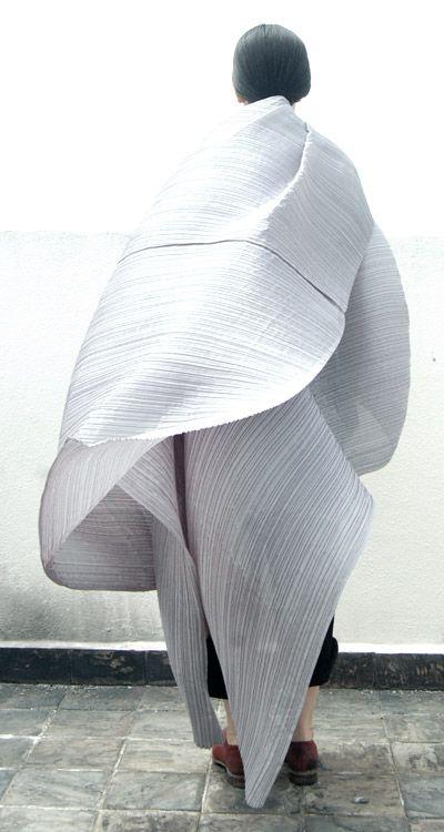 Issey Miyake #boldstatements #fashion #Sewcratic