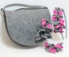 torebka z szaro różowym kwiatkiem plus opaska i bransoletka