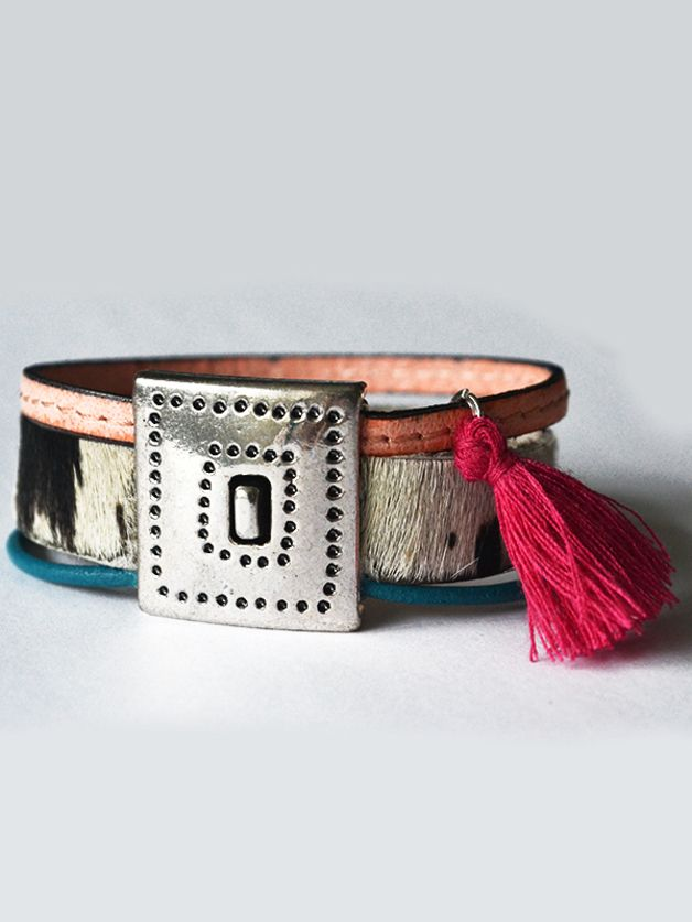 Vrolijke armband in ibiza/boho stijl.