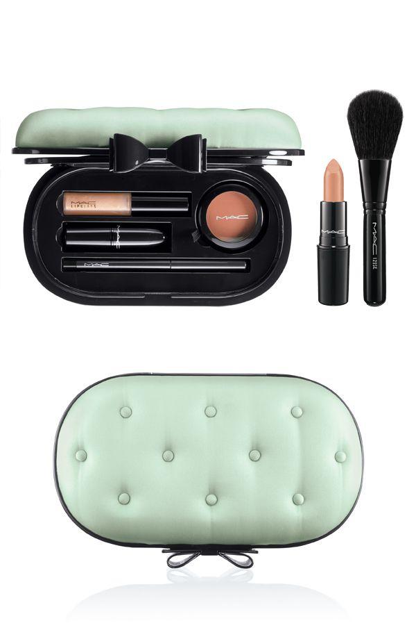 MAC Sinfully Chic Divine Desire Face Kit Holiday 2012