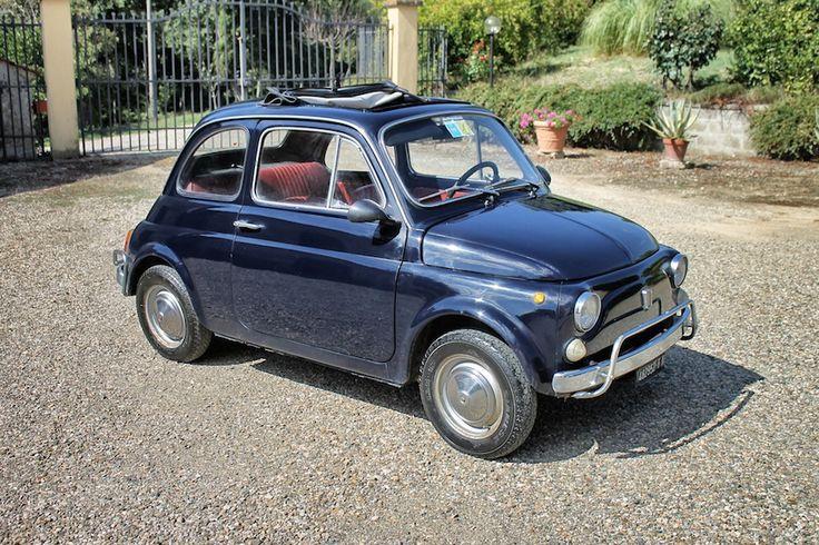 #Fiat 500 for sale Vendiamo bellissima #Fiat 500 L del 1969, blu notte con interni rossi originali. Ottime condizioni, certificato di storicità #ASI. Motore rifatto dal precedente proprietario, km 14.000, sempre in garage. Gommata, batteria nuova + due cerchioni con gomme chiodate e altre due gomme da strada nuove. No impianto radio, tutta originale. Targhe e documenti originali, #FIRENZE. Ovviamente, MADE IN ITALY  INFO filippo.giustini@gmail.com #autoepoca #vintage #mugello