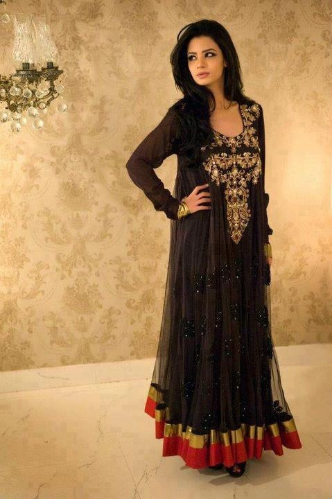 long black Pakistani suit