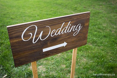 DIY Painted Wedding Direction Signs {Wedding Wednesday}