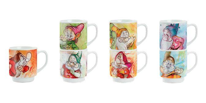 """MUG """"I 7 Nani"""" - Disney - EGAN s.r.l.  Mug in ceramica.  Disponibili nei soggetti: CUCCIOLO, DOTTO, EOLO, GONGOLO, MAMMOLO, PISOLO e BRONTOLO.  Altezza: 10cm Vollume: 30cl"""