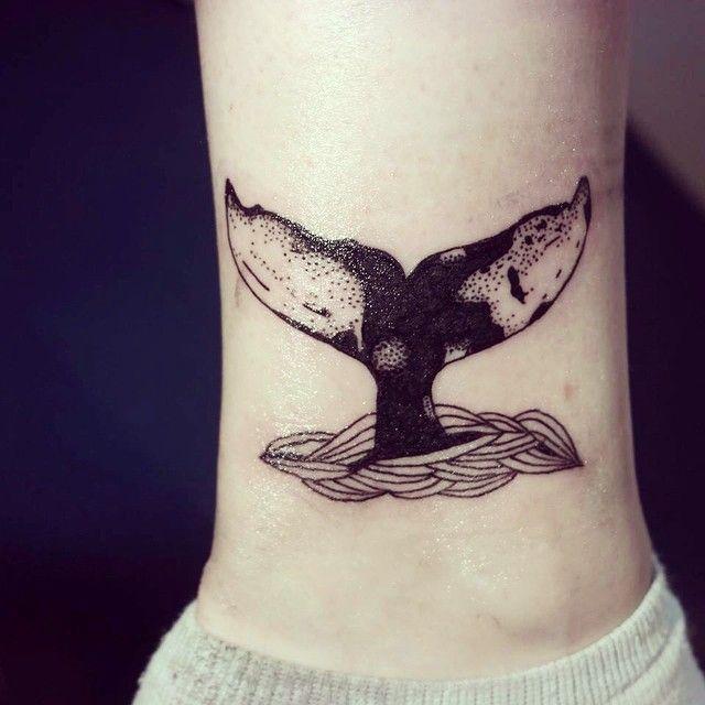 Artista francesa faz tatuagens inspiradas na natureza.