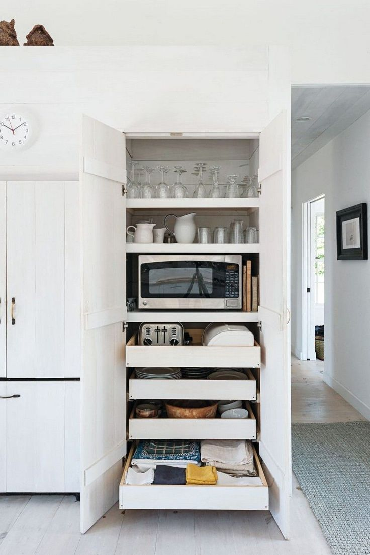 99+ Small Kitchen Remodel and Amazing Storage Hacks on A Budget http://philanthropyalamode.com/99-small-kitchen-remodel-amazing-storage-hacks-budget/