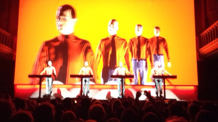 Kraftwerk @ Paradiso 19-01-2015, The Robots