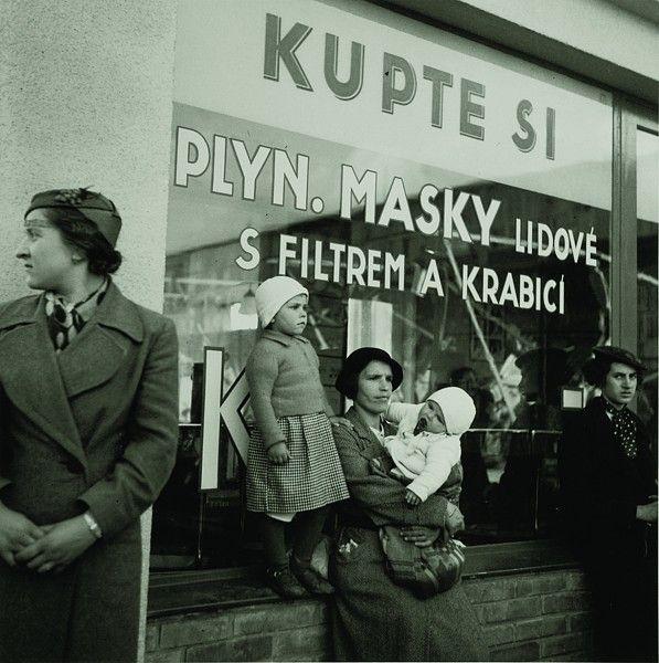 Jan Lukas, Utečenci ze Sudet, po mnichovském diktátu, 1938