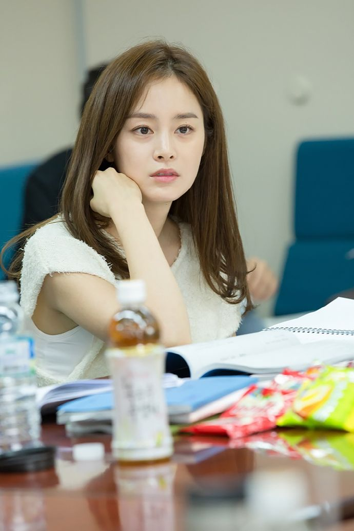 """Kim Tae Hee, Joo Won, & Other Cast Members Meet Up For """"Yong-pal"""" Script Reading 