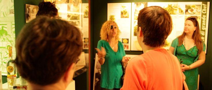 Durante la visita al museo della Menta con Mirella Chiattone