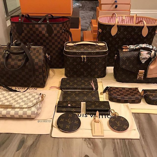 Impeccable LV Collection [Louis Vuitton Collection 140] Owner: Stevie Hough (group member) . ----------------------- Follow us to get your daily dose of Louis Vuitton!