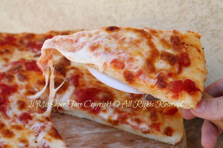 #Focaccia facile morbida con #pomodoro e #mozzarella