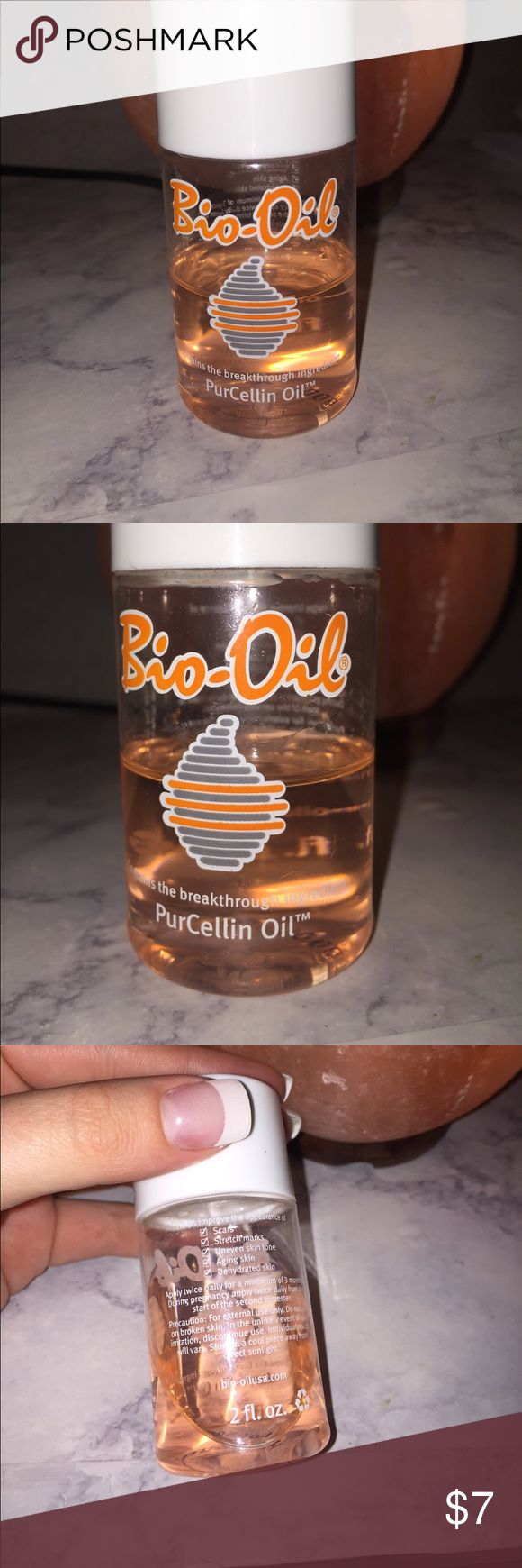 Bio-oil purcellin oil skin care 2fl oz. Gently used, half of product left! Bio oil containing the breakthrough ingredient Purcellin oil. Helps improve the appearance of scars, stretch marks, uneven skin tone, aging skin, dehydrated skin. Container is 2fl oz Other