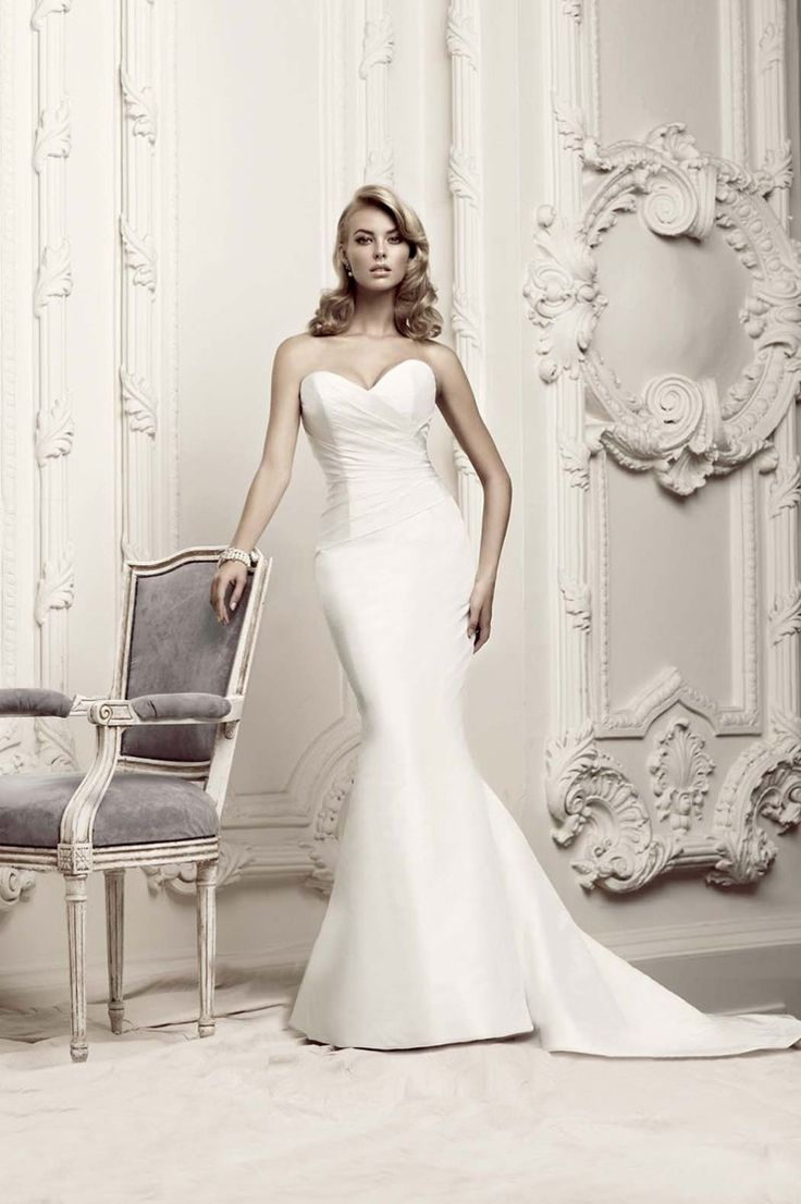 Classic Hollywood Glam Rustic Ivory White 1501 To 3000 Fit N Flare Floor Mermaid Trum Glam Wedding Dress Trendy Wedding Dresses Wedding Dresses Taffeta [ 1106 x 736 Pixel ]