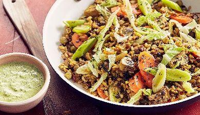Pannetje van Vegi Mix met rijst - FemNa40  Recept pannetje van met rijst, linzen en sesam met champignons, wortels en groene kool.