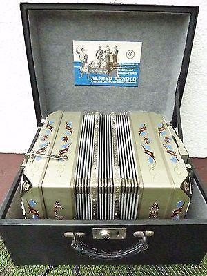 Alfred-Arnold-AA-bandoneon-4-3-chorig-register-144-shades-440hz-1a-bandonion