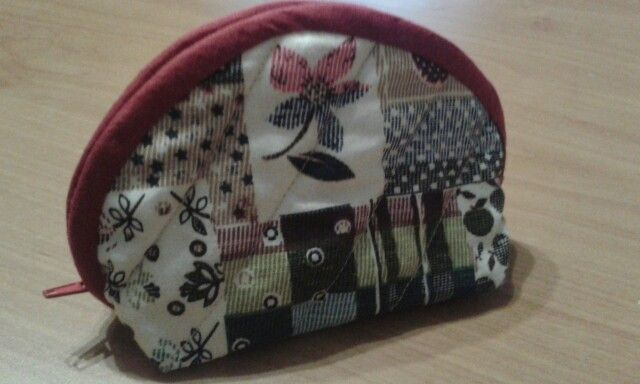 Sew cosmetic mini bag