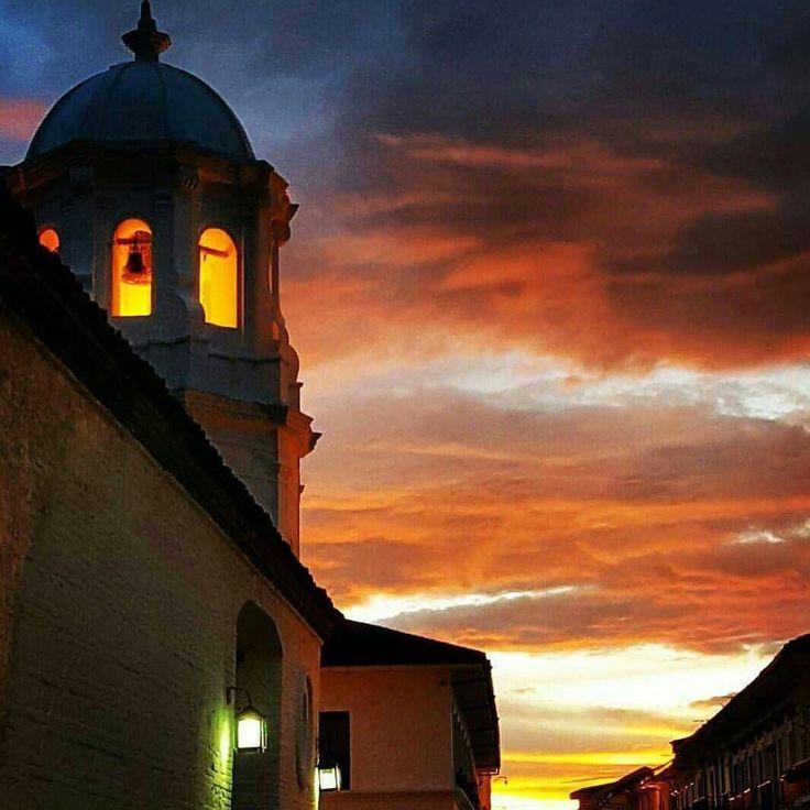 Foto de @nicolecuador #PopayánCO #Popayán #Cauca #CaucaTerritorioDePaz #YoSoyCaucano #sun #Sunset