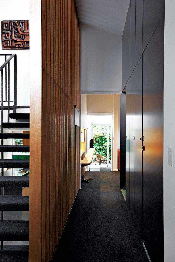 modernist-home-renovation-staircase-hallway-we