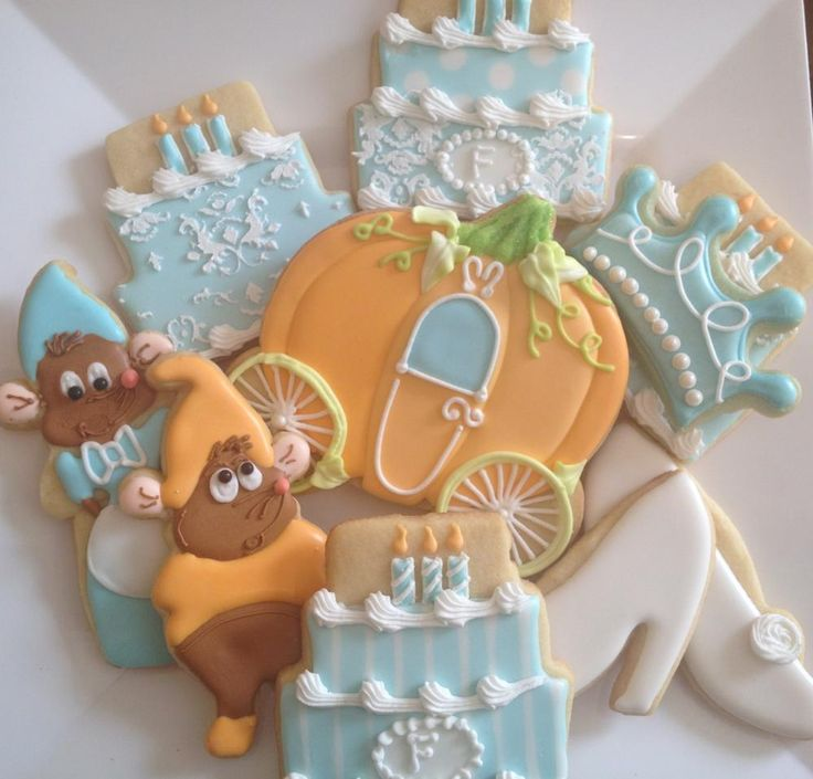 A Dream is a Wish Your Heart Makes Cinderella birthday cookies
