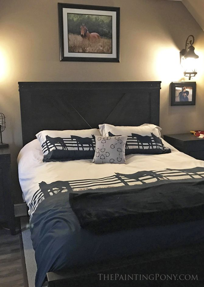 Best 25 Equestrian Bedroom Ideas On Pinterest Horse Ribbons Horse Ribbon Display And Horse Rooms
