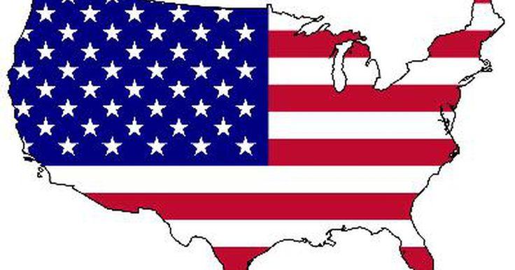 Cómo ayudar a niños a hacer una bandera estadounidense con papel de construcción. La mayoría de los niños recordarán el 4 de julio por los fuegos artificiales, pero también puedes enseñarles un poco sobre la historia detrás de la festividad ayudándolos a hacer una bandera estadounidense con papel de construcción.