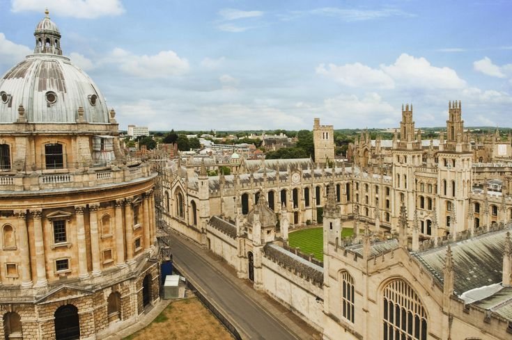 Universidade de Oxford, Inglaterra-  a mais antiga do Reino Unido e a segunda mais antiga da Europa.